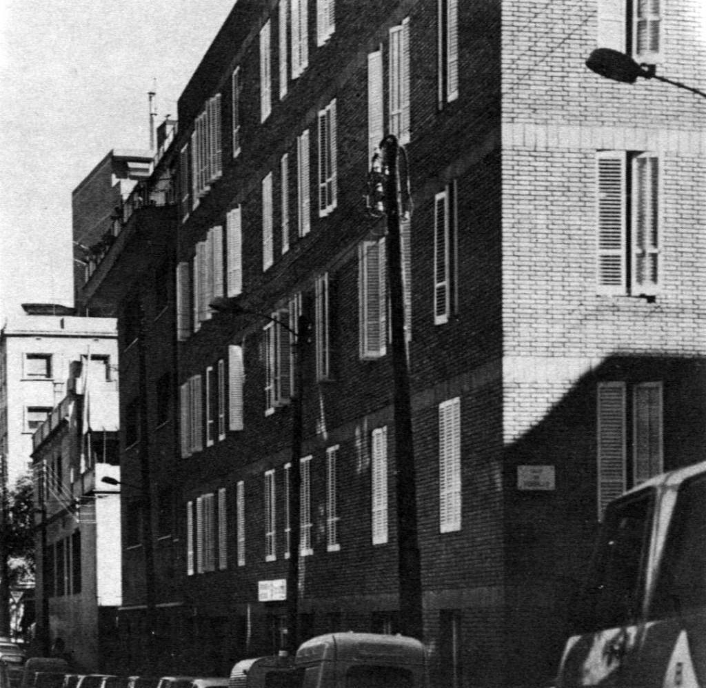 J.A.Coderch - Edificio c/Encarnació