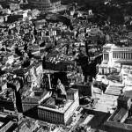 Tramo entre el monumento a Vittorio Emanuele y el Coliseo. Imagen de 1925.