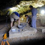 Excavaciones en la Cueva de Chaves. Fuente: Museo de Huesca.